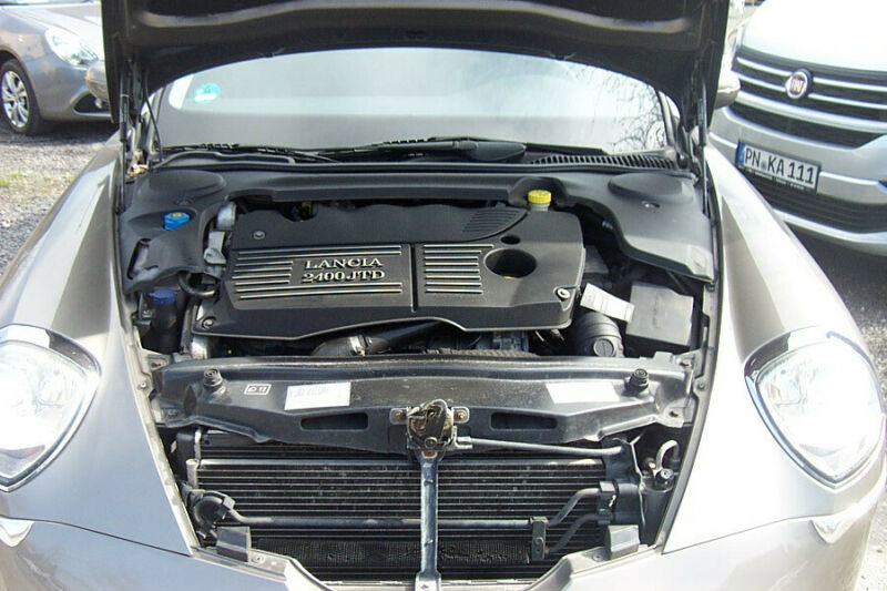 Lancia Thesis 2.4 20v Multijet Comfortronic EMBLEMA
